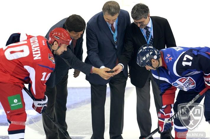 «Запад» победил «Восток» в матче Звезд КХЛ-2014 в Братиславе (Видео)