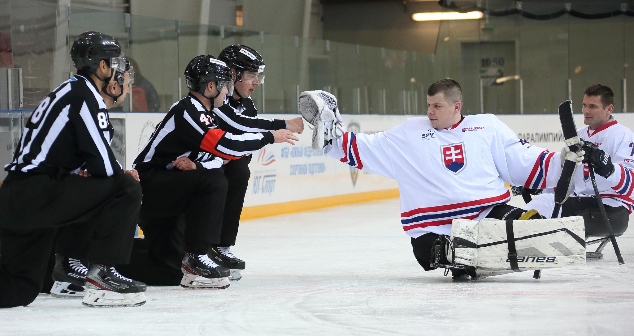 Сборные России сыграют в финале Кубка Континента по следж-хоккею