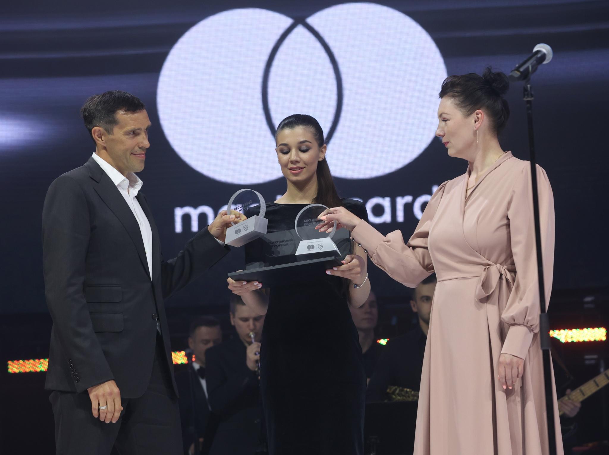 KHL_MC_Павел Дацюк и Анна Ганьжина.jpg