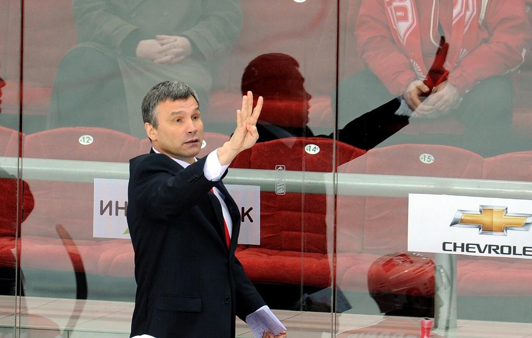 Отец Максима Сидоренко - известный тренер Андрей Сидоренко