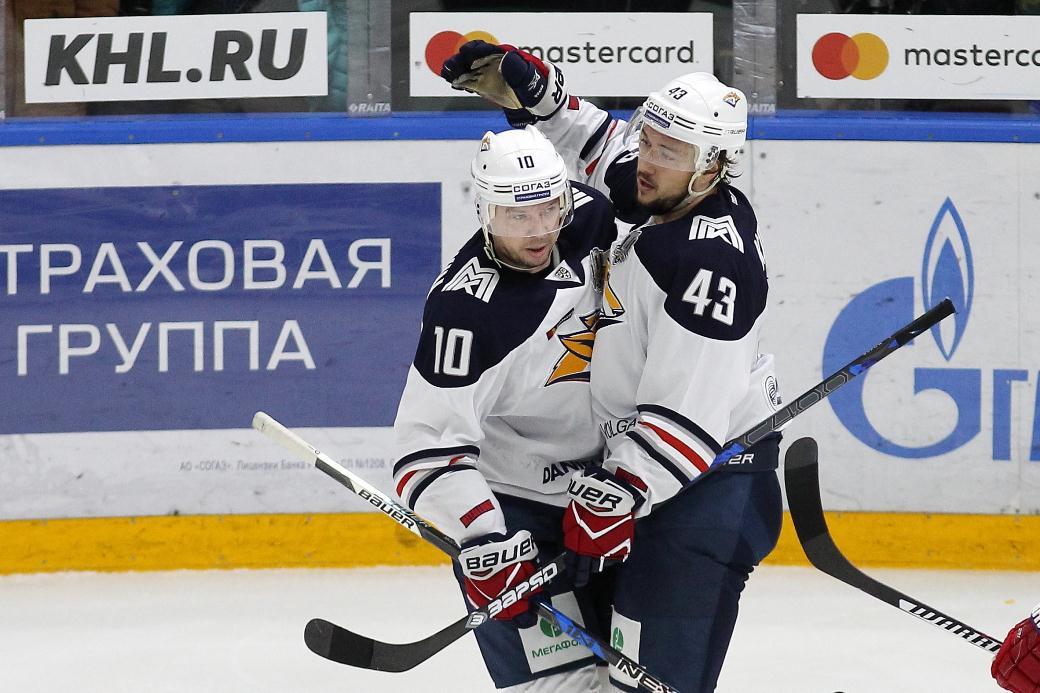 Хоккеист КрисЛи вернулся в«Магнитку», договор подписан доконца сезона— Величкин